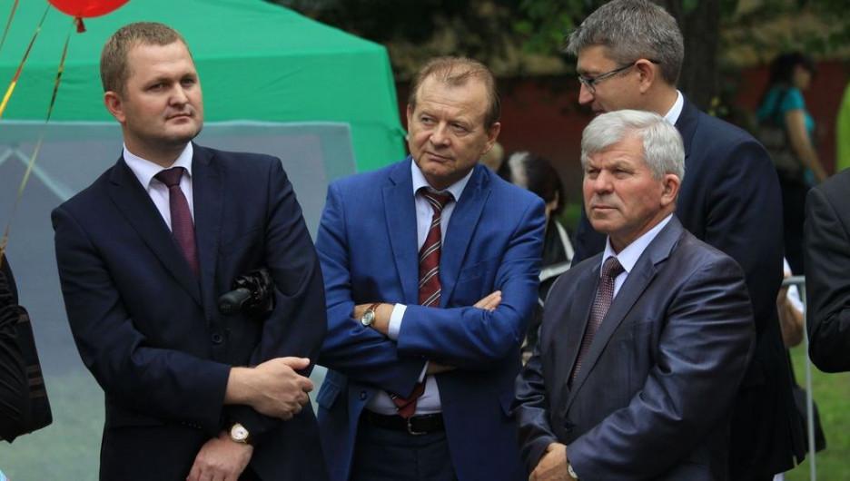 Сколько заработали главы районных администраций Барнаула