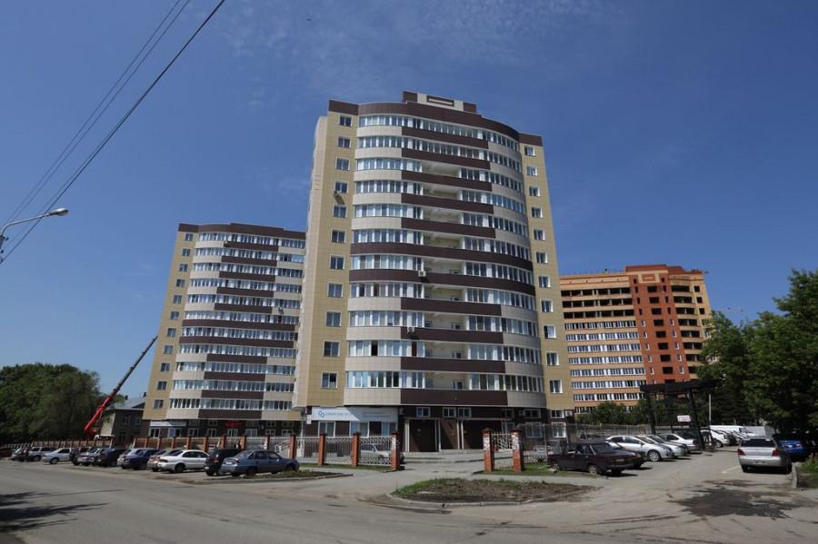 Комплекс жилых домов по ул. П.Сухова 2-а,2-б и пр-ту Ленина, 195