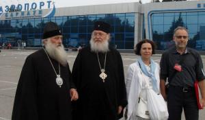 Глава РПЦЗ митрополит Иларион с группой паломников приехал на Алтай.