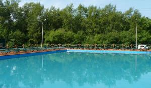 """Открытый бассейн в """"Изумрудном"""""""