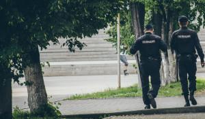 Полицейские.