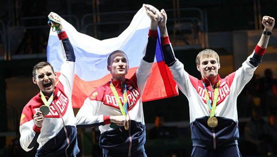 Сборная России по фехтованию на рапирах: Сафин, Ахматхузин и Черемисинов.