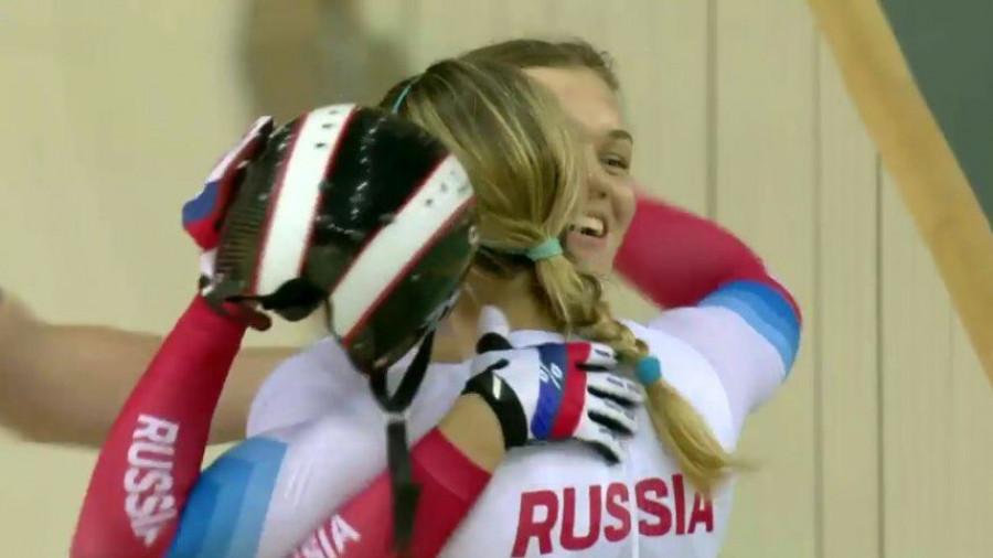 Российские велотрекистки Анастасия Войнова и Дарья Шмелева.