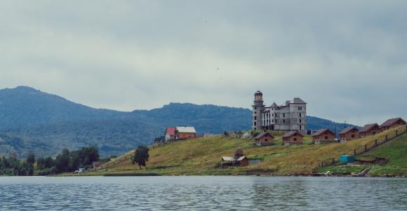 Озеро Колыванское. Туризм на Алтае.