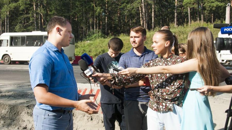 Расширение подъездов к путепроводу через пути на шоссе Ленточный бор в Барнауле.