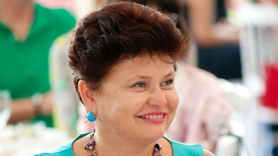 Стелла Штань.