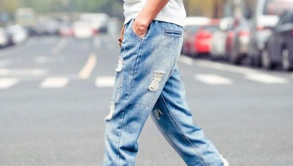 Все, что нужно стильному мужчине — это крутые джинсы.