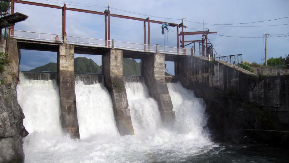Чемальская ГЭС.