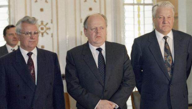 Леонид Кравчук, Станислав Шушкевич и Борис Ельцин.