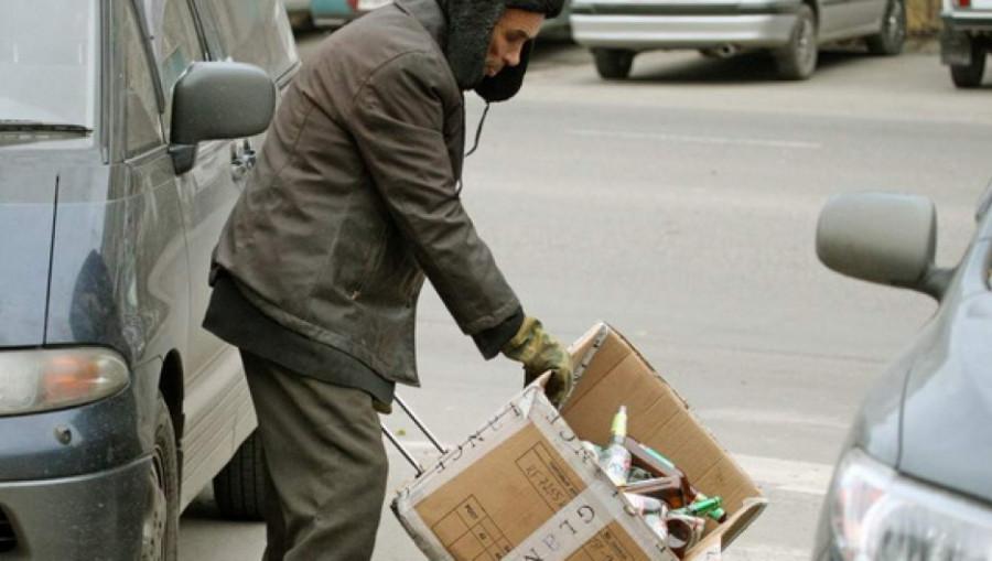 Кто помогает бездомным Барнаула?