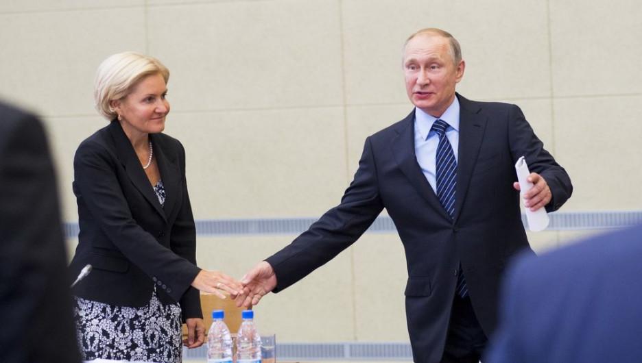 Ольга Голодец и Владимир Путин.