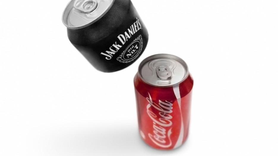Номинация Эпик фейк, банки для напитков Supercan. Автор - креативное агентство Ad Once.