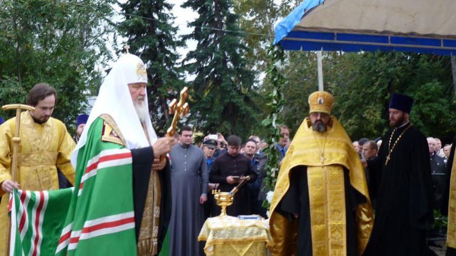 Патриарх Кирилл перенес мощи святителя Макария из Москвы в Горный Алтай