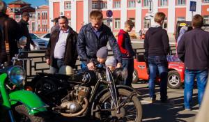 Выставка ретроавтомобилей в Барнауле.