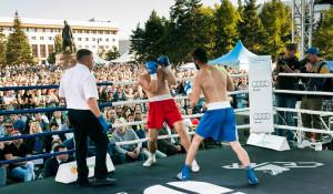 Как в Барнауле на Дне города прошел грандиозный турнир по боксу.