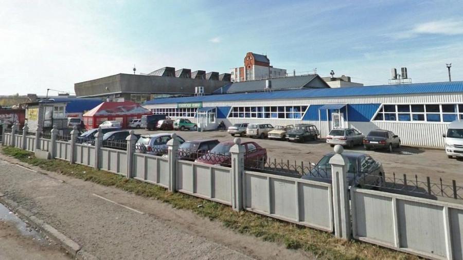 Барнаульский автовокзал и привокзальный рынок.