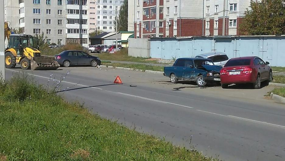 Авария на Северном Власихинском проезде.
