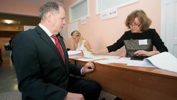 Алтайский депутат Госдумы перечислил врачам солидную денежную сумму
