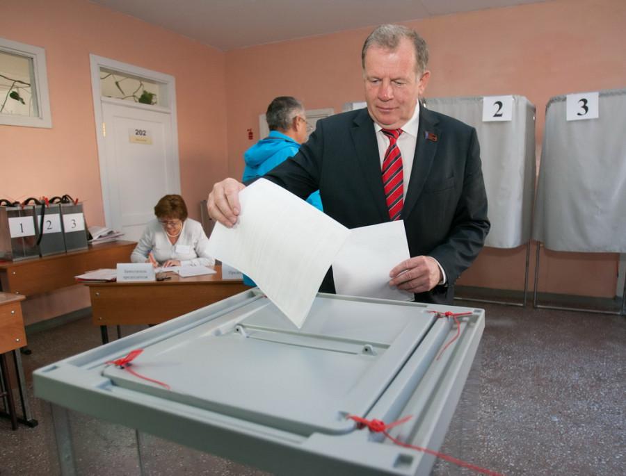 Никто, кроме нас. Как выборы в Госдуму на Алтае поставили в один ряд экс-командующего ВДВ и главу сельсовета