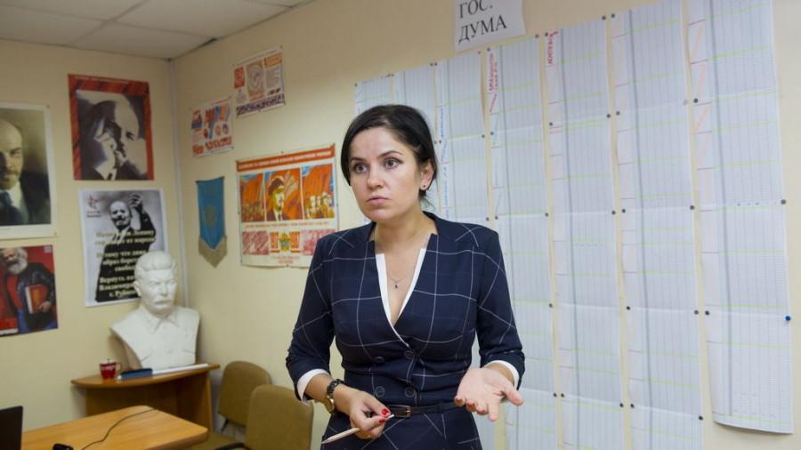 Мария Прусакова в штабе КПРФ. Выборы в АКЗС и Госдуму. Барнаул, 18-19 сентября 2016 года.