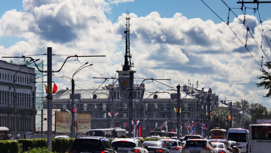 Пробки. Автомобили в Барнауле.