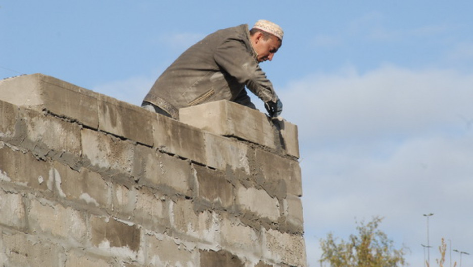 Барнаульский строитель.