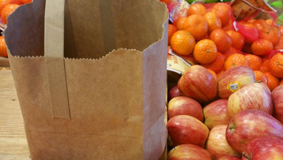 Пакет с продуктами.