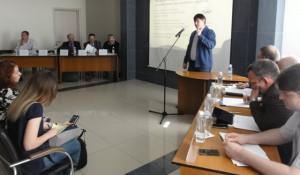 """Финалисты конкурса """"Лучшие проекты информатизации на Алтае-2016"""" презентовали свои разработки."""