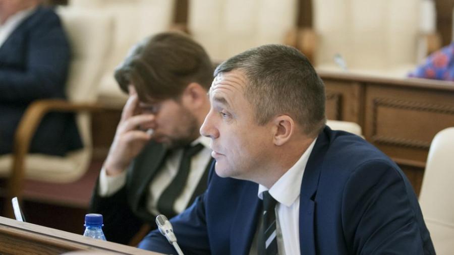 6 октября прошла первая сессия нового состава АКЗС.