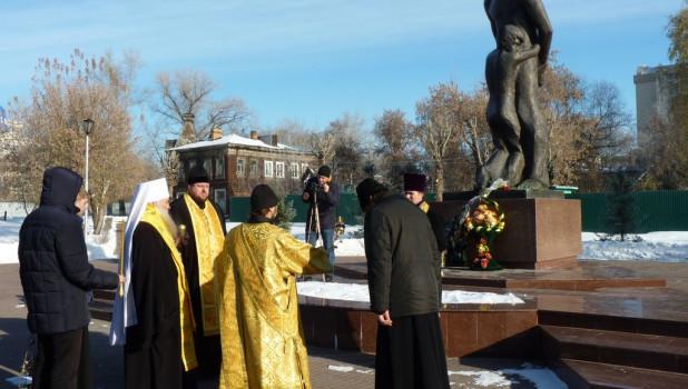 В Барнауле почтили память жертв политических репрессий