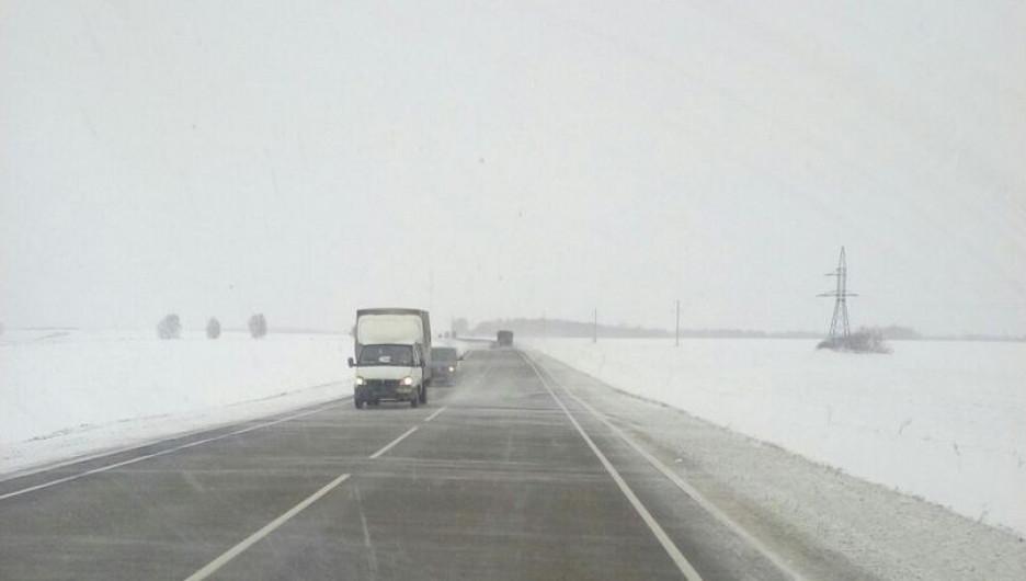 "Метель на трассе ""Бийск - Барнаул""."