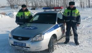 Старший лейтенант полиции Денис Искрин и лейтенант полиции Евгений Халло.