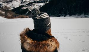 Девушка. Снег. Зима.