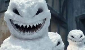 Забавные снеговики.