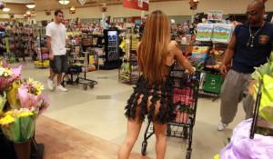 Безбашенные посетители американских супермаркетов.