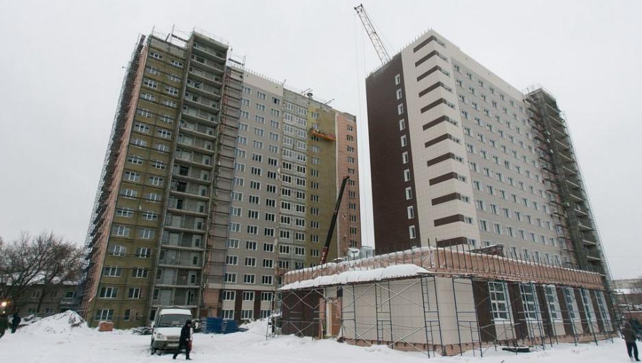 В Барнауле продолжают строить самое высокое общежитие. Декабрь 2016 года.