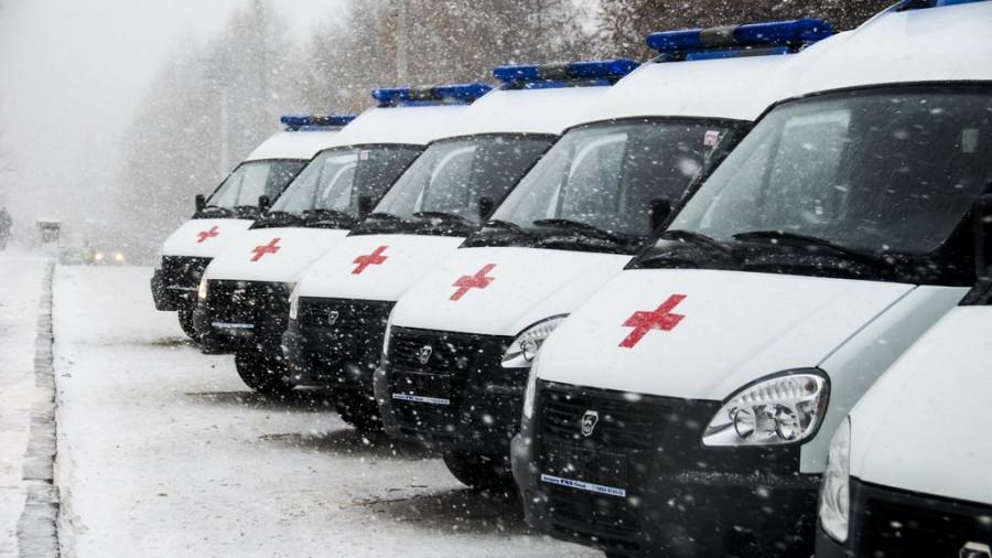 Алтайские врачи получили новые машины скорой помощи.