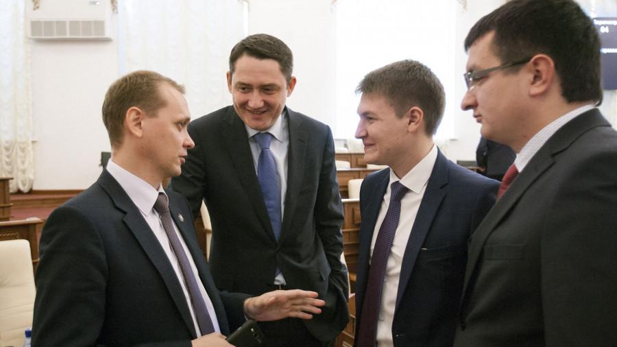 Единороссы провели в АКЗС команду молодых политиков (слева направо): Иван Мордовин, Сергей Лямин, Денис Голобородько и Алексей Кривенко.