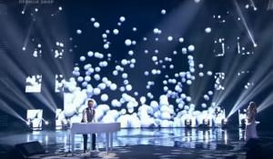 """Вадим Капустин в 1/4 финала шоу """"Голос"""". 16 декабря 2016 года."""