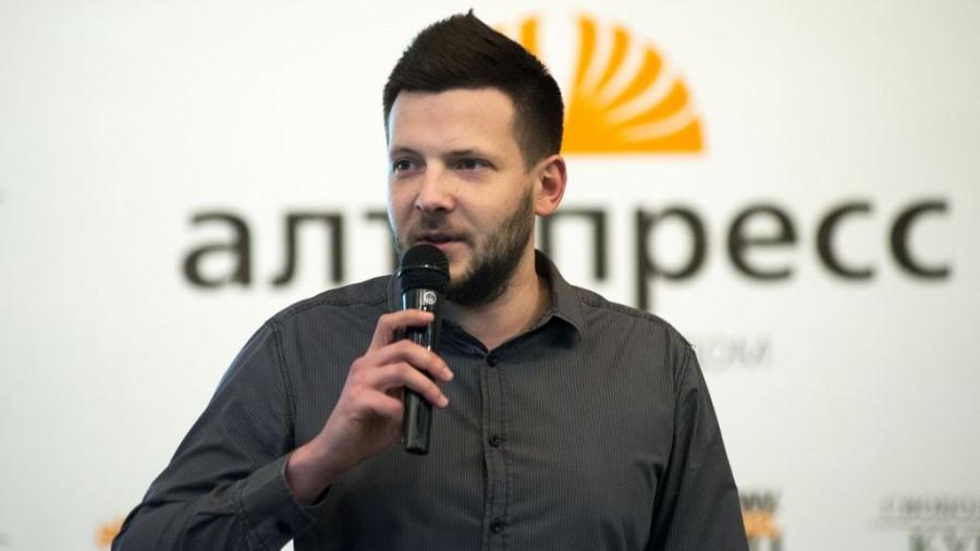Борис Родионов.