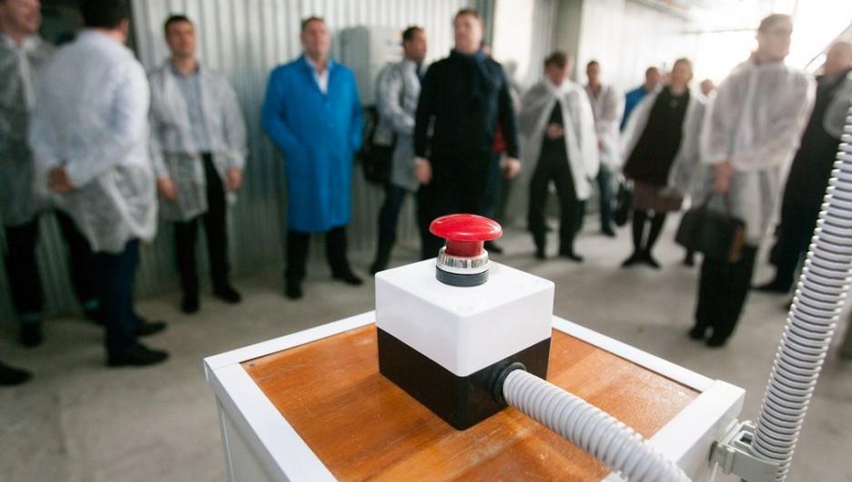 На Алтае запустили один из самых современных комбикормовых заводов в России .