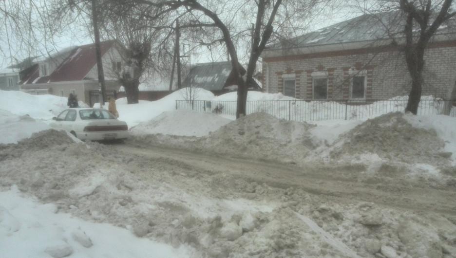 Нечищеные улицы Барнаула на Горе.