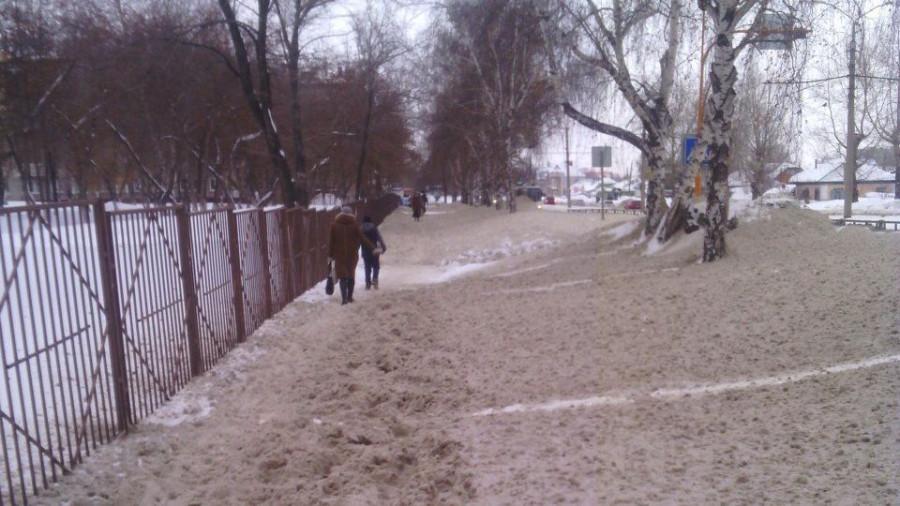 Нечищеная ул. А. Петрова.