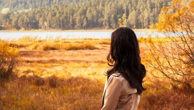 Женщина и осень.