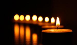 Свечи.
