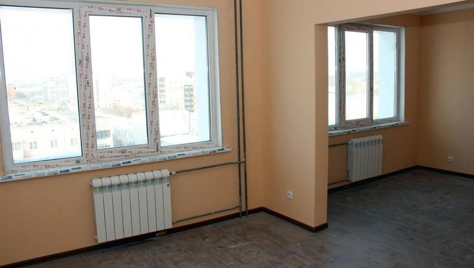 В Барнауле продолжают строить общежите АлтГУ.