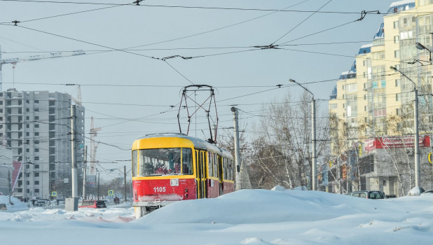Общественный транспорт зимой. Трамвай.