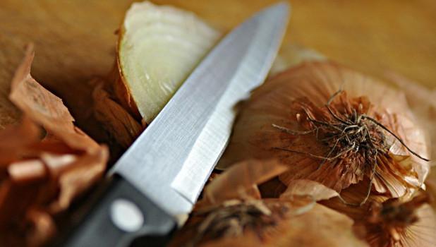 Нож и лук.