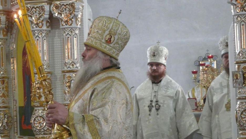 Митрополит Сергий освятил храм в Нагорном парке Барнаула