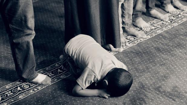 Ребенок плачет, наказание.